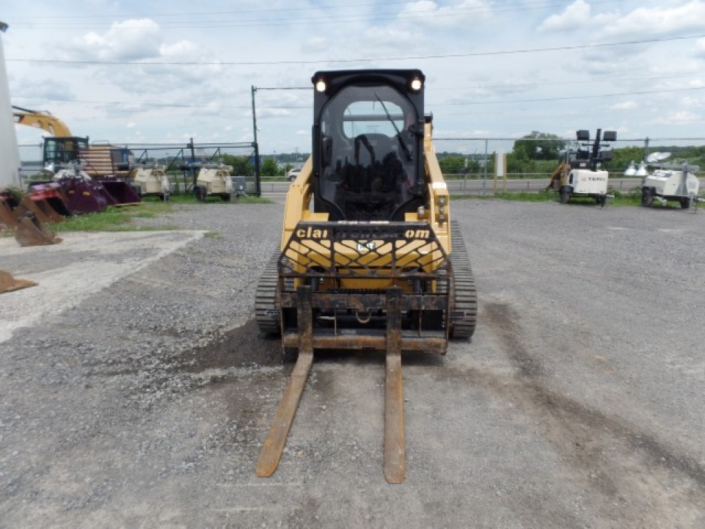 skid-steer-construction-equipment-caterpillar-259d-2-3