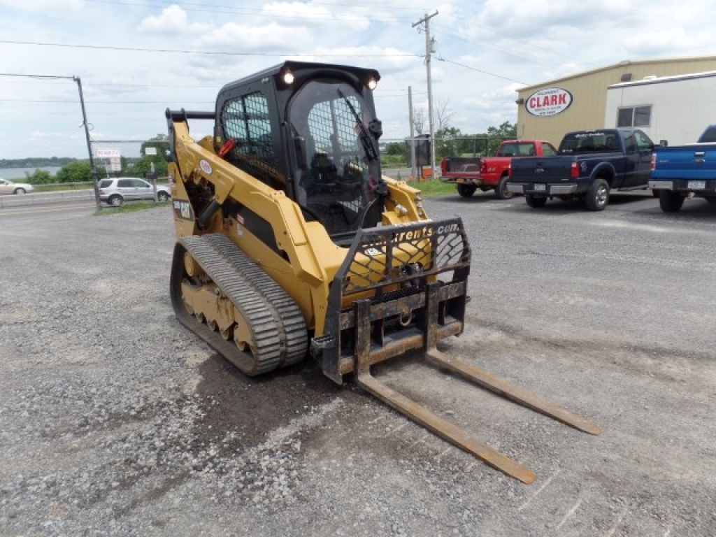 skid-steer-construction-equipment-caterpillar-259d-2-4